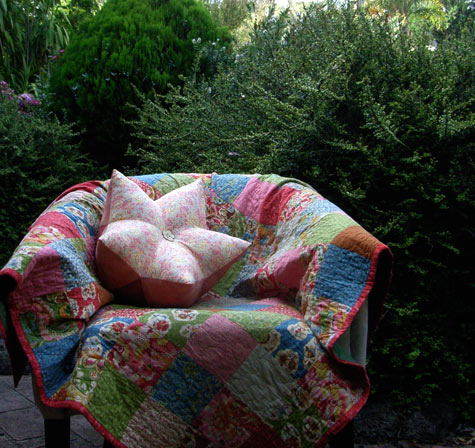 Star Fruit Cushion tutorial by Matching Pegs