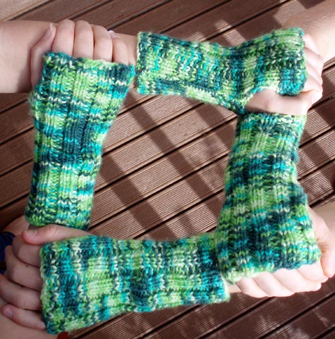 2 pair of green armwarmers