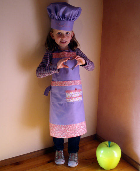 Apron with Cake Applique2
