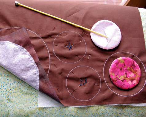 Preparing some circles to applique onto my quilt