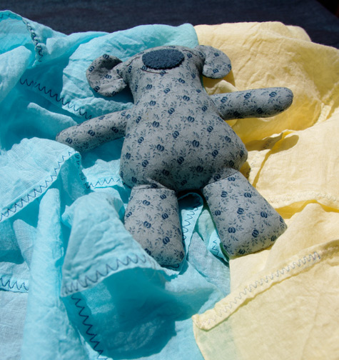 Gauze for wrapping a summer baby