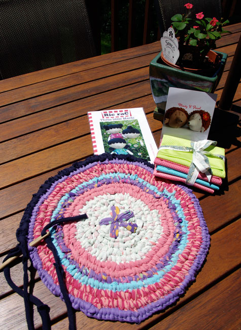 Progress on the Rag Rug and Prizes from Jodie