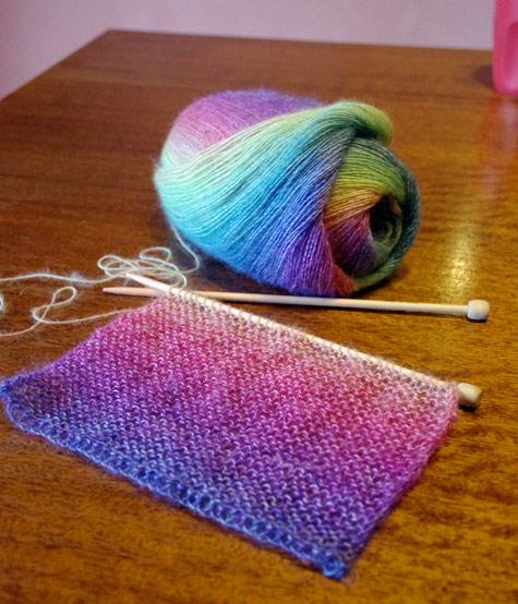 Rainbow scarf WIP made of Moda Vera Fern Yarn