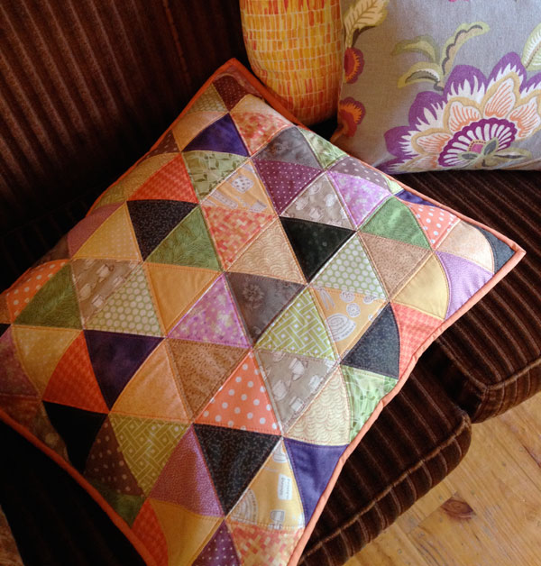An equilateral triangle cushion :: Matching Pegs