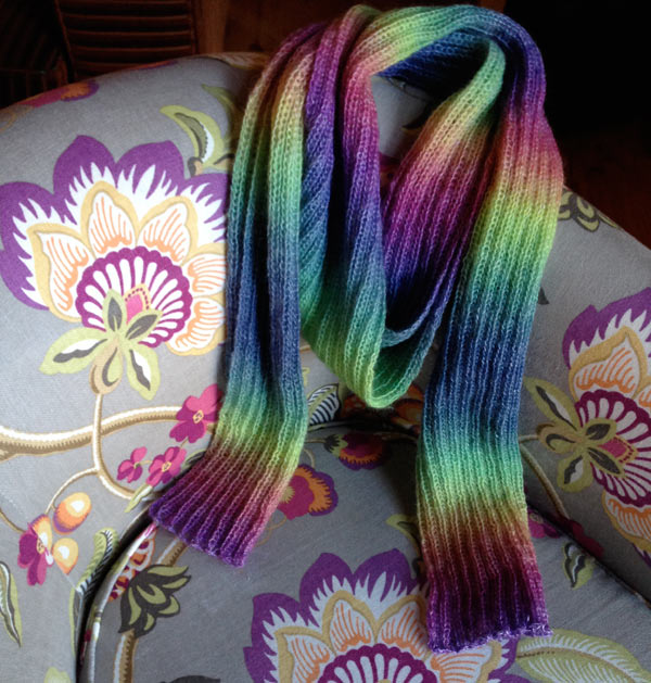 The Rainbow scarf :: Matching Pegs